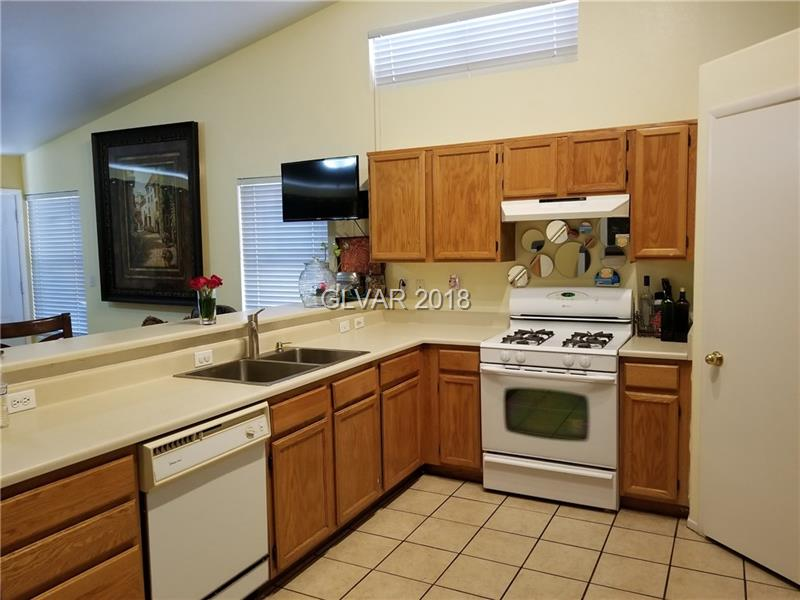 WatercreekDr.kitchen